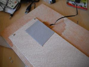 Teclado integrado en placa contrachapada